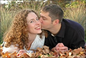 Guy-Kissing-Beautiful-Girl-300x204.jpg